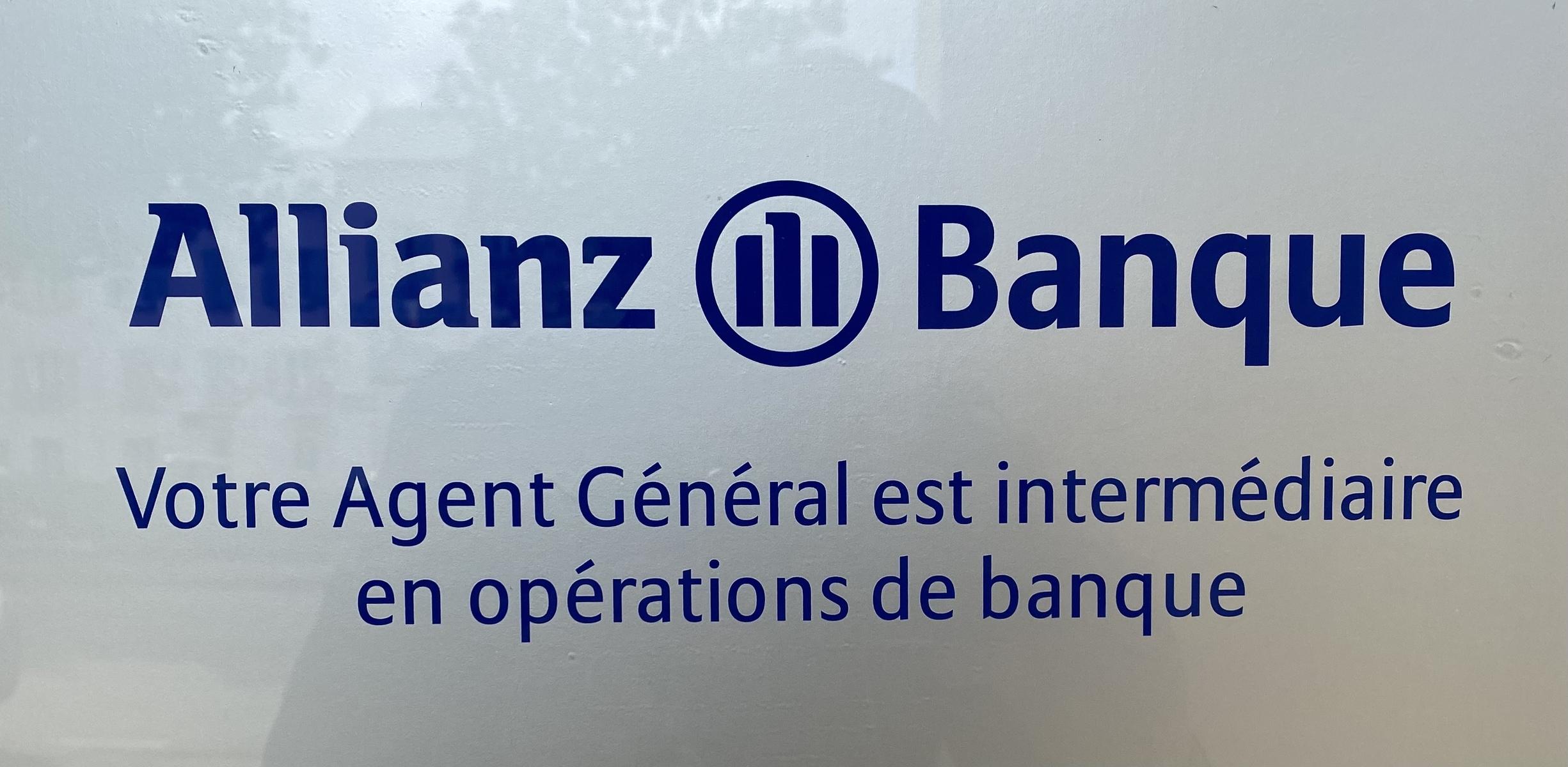 Votre Agent général est aussi intermédiaire en opérations de banque et de services et placements financiers